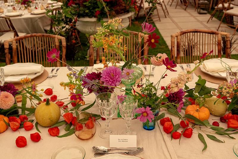 un casamiento en un jardín