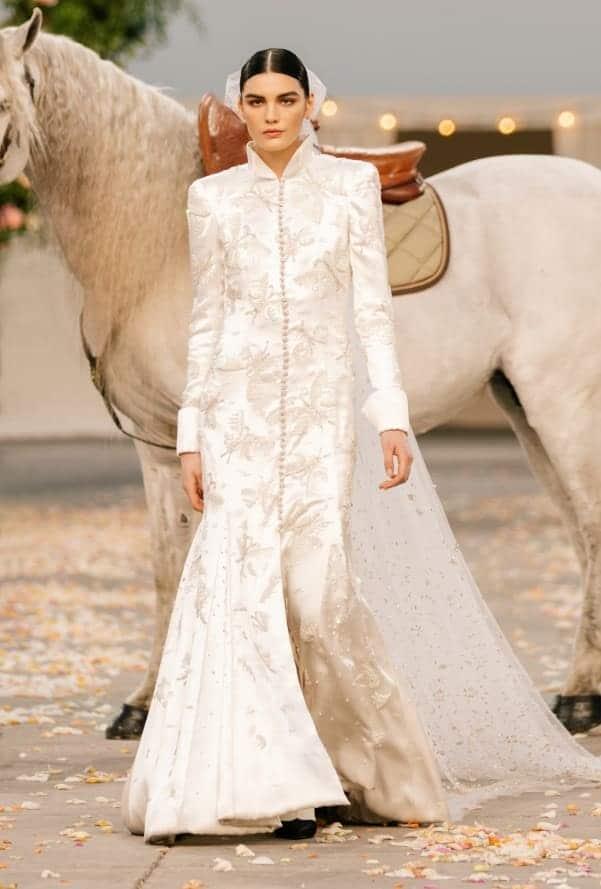 15 Vestidos de novia de los desfiles de alta costura de Paris 2021 chanel